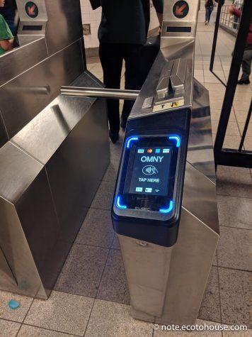 NFCコンタクトレス決済のニューヨーク地下鉄自動改札(OMNY)
